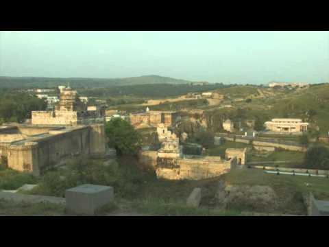 First Vlog - (Pakistan) Exploring The Ancient Temples * Katas Raj Temple *