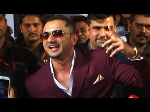 Honey Singh's Lungi Dance  Big Star Entertainment Awards 2013 video