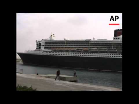 Queen Mary II ship first time through Suez