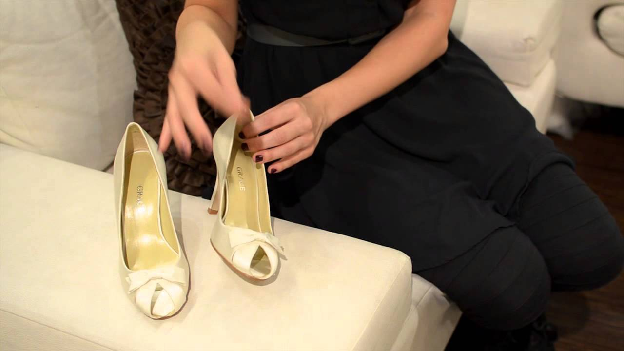Bridal Traditions: A Penny in Her Shoe : Wedding Dresses ...