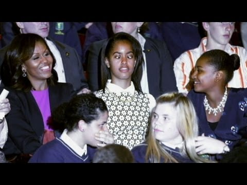 Malia and Sasha Obama Vacation: Obama Girls Not Impressed With Summer Vacation?
