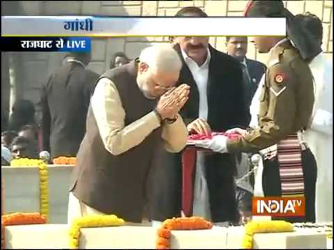 PM Modi Pays Tribute to Mahatma Gandhi on His 67th Death Anniversary - India TV