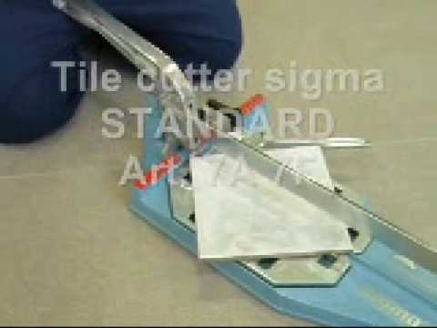 Taglio di piastrelle in gres porcellanato  a 45° con tagliapiastrelle  art. 7F.
