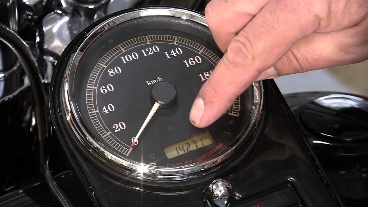 Red Key Light Alarm On  Harley Davidson