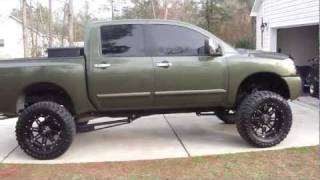 LIFTED NISSAN TITAN ON 22s