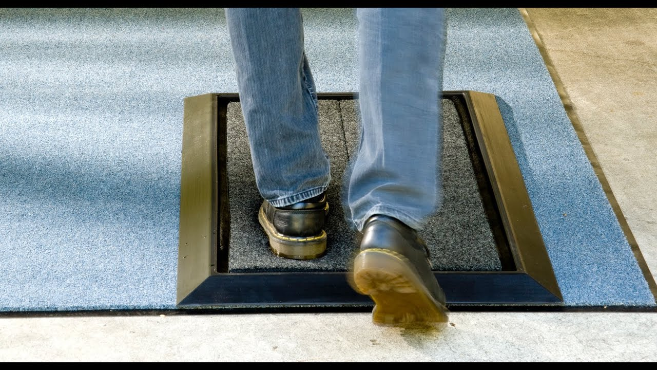 Sanistride 174 Shoe Sanitizing Stride Mat Demonstration Youtube