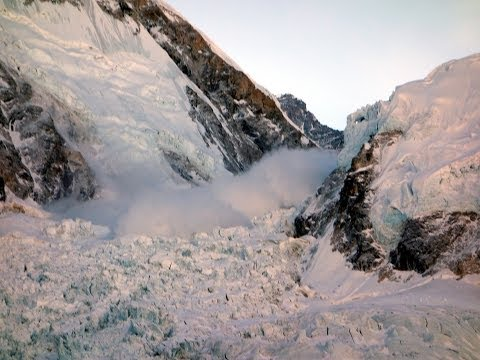 The Everest Avalanche, 18 April 2014, an eyewitness film