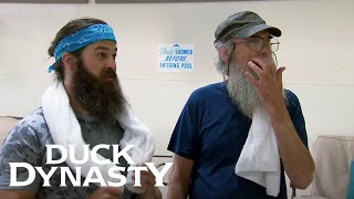 Duck Dynasty: Si's Water+AErobics Adventure (Season 7, Episode 8) | A&E