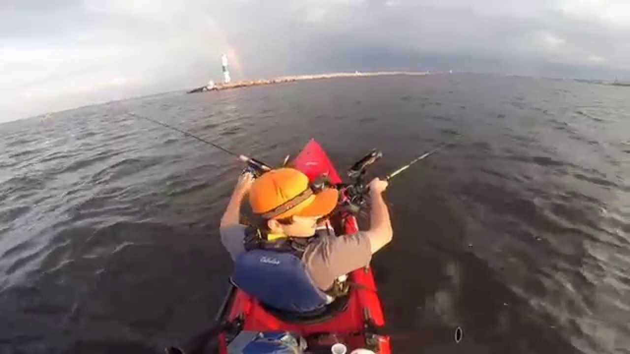 Milwaukee harbor kayak king salmon youtube for Milwaukee harbor fishing report
