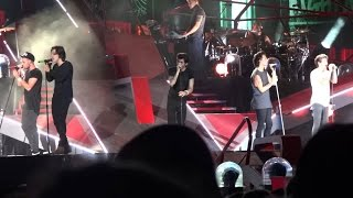 One Direction Video - One Direction wwa tour live in Chicago full concert - aug 29th 2014