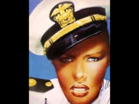 Grace Jones - Everybody Hold Still