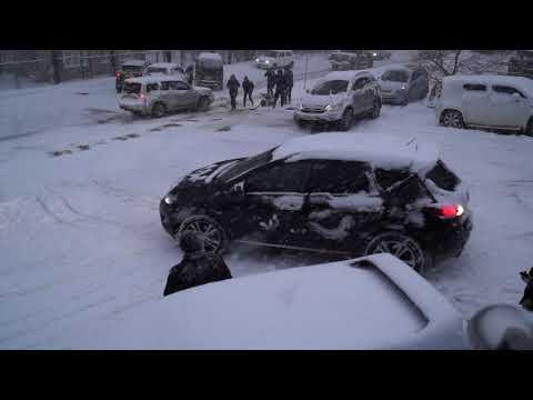 Владивосток - жертвы первого снегопада 17.11.17..