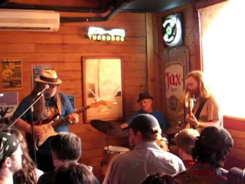 Papa Mali Bill Kreutzmann and Reed Mathis live at the Rusty Nail New Orleans doing Mr Charlie.MP4