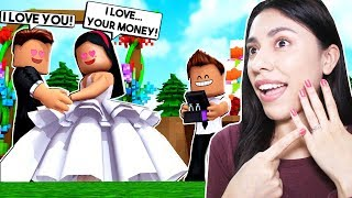 I BECAME A GOLD DIGGER & MARRIED A MILLIONAIRE! - Roblox Roleplay - Adopt Me