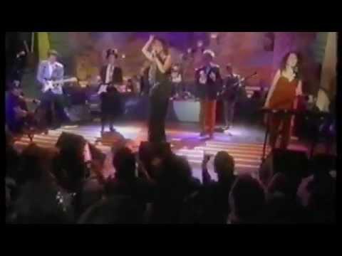 The B-52's Roam - MTV Live 1990
