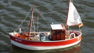 Graupner Antje - RC scale model fishing boat