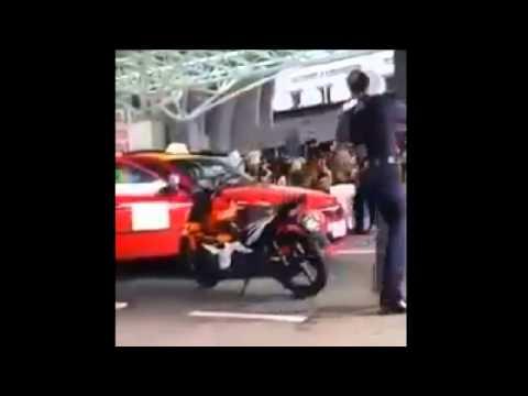 polis vs teksi driver