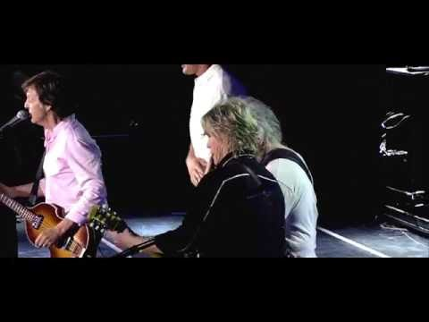 Paul McCartney - 'One On One' with Bob Weir and Rob Gronkowski