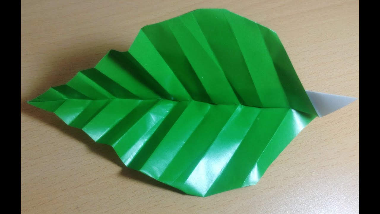 How to Make an Origami Flower and a Leaf Spanish Eye