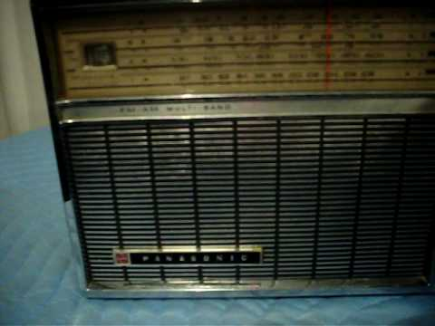 RETRO 1960'S NATIONAL PANASONIC RF-100MA MULTI-BAND RADIO