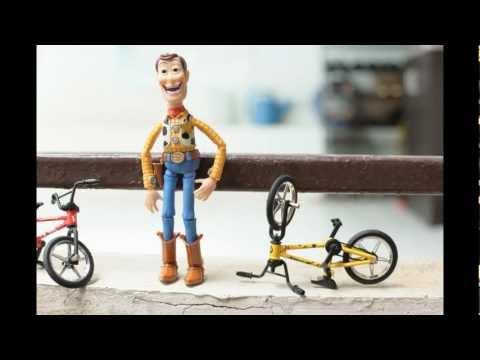 Gangnum Style : Woody Style video