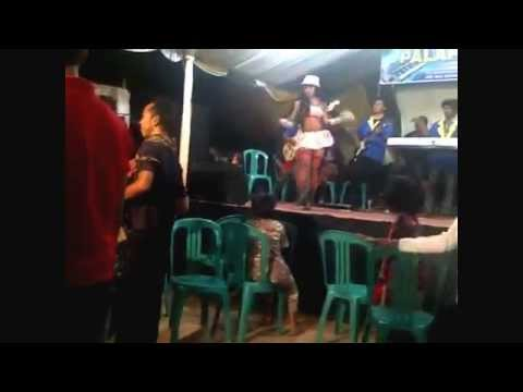 DANGDUT HOT TELANJANG DIPENTAS