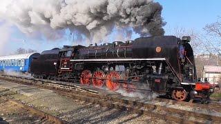 Parní lokomotiva Šlechtična 475.179 vede Velikonoční expres na Křivoklát