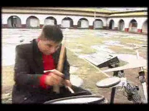 guapa con el grupo kenda musical de cheranastico en HD 2012
