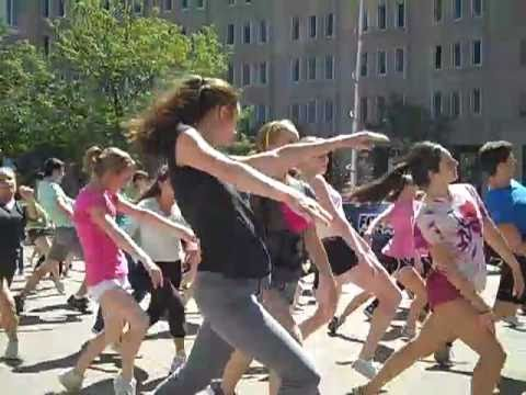 GLEE!  Gleeks rejoice!  Glee Flash Mob filmed in Indianapolis, Indiana, on Monument Circle.