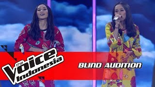 Nada & Nadya - Dekat Di Hati | Blind Auditions | The Voice Indonesia GTV 2018