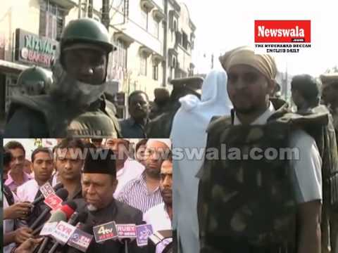 Full Video -- Stone pelting issue at Makkah Masjid after Friday Prayers on 6th December 2013