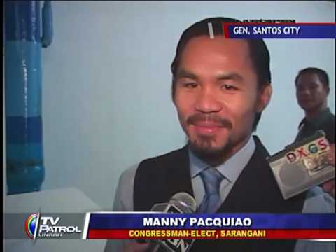 Manny Pacquiao gives Mommy Dionisia a diamond set