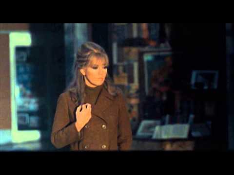 The Legend Of Lylah Clare (1968) Robert Aldrich (Kim Novak), Opening Credits.