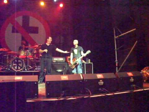 Bad Religion - Man With A Mission (Live in Russia)