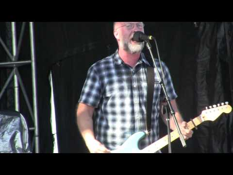 Bob Mould Plays Copper Blue at Deluna Fest 2012 (Modmobilian.com)