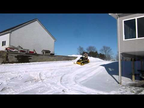 Test driving the 1999 Skidoo Mach Z 800 Triple we are parting out.