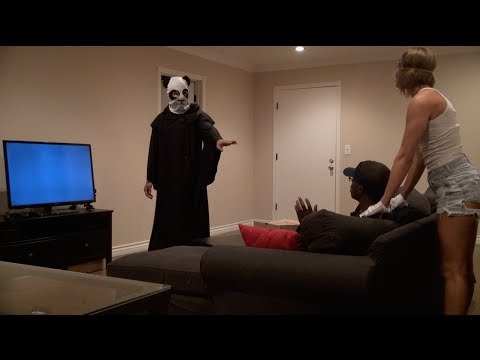 SCARY PIZZA DELIVERY PRANK!