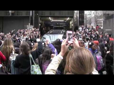 One Direction fans screaming outside there hotel, Nyc