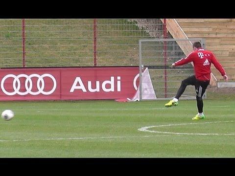 Franck Ribery awesome dribbling skills at FC Bayern Munich training
