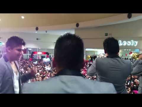 Aaron y su grupo ilusion - Cumbia De La Chispita en vivo desde Chalco plaza Sendero