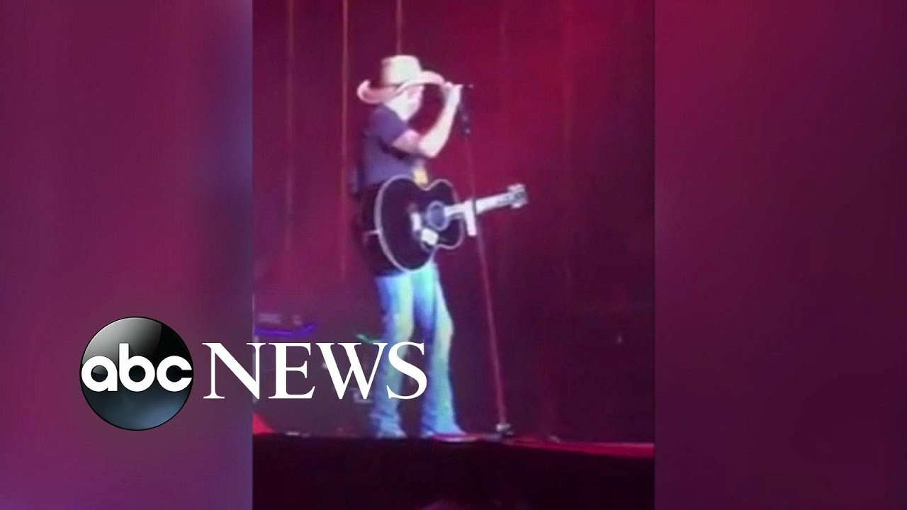 Country music stars pray for victims of Las Vegas shooting
