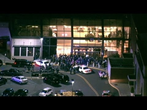 New Jersey Mall Shooting Witness: Alleged Shooter Richard Shoop 'Was Holding the Rifle Upward'