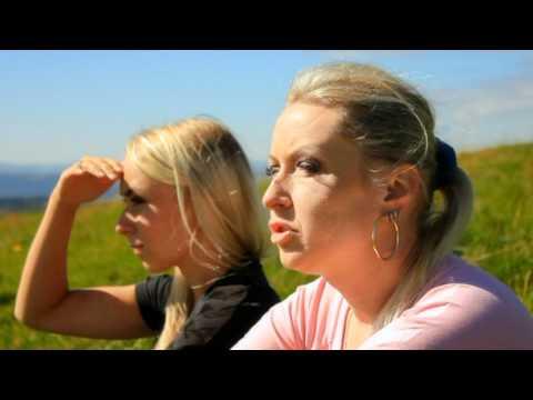 Claudia I Kasia Chwołka - Kapliczka
