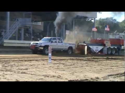 NWPA Pullers2.6 Diesel Sharon Speedway Hartford Ohio 7-25-10