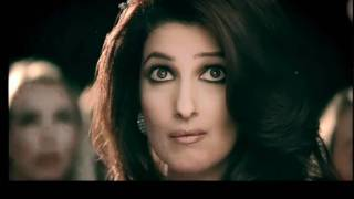 Twinkle Khanna in Micromax Q55 Bling - Commercial