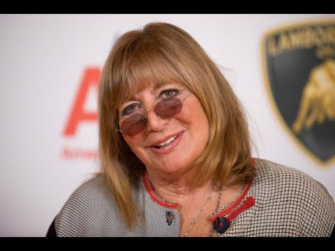 """Penny Marshall, Director Of 'A League Of Their Own,"""" Dies At 75"""