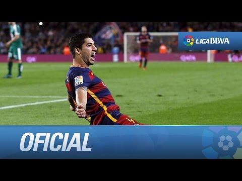 Luis Suárez celebra su primer año en el FC Barcelona con un hat-trick