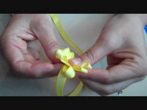 3-Minute Scrapbooking How-To: Ribbon Flower