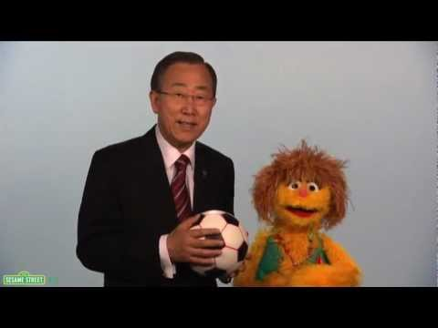 Sesame Street: Kami and UN Secretary General Ban Ki-Moon - Every Woman Every Chi