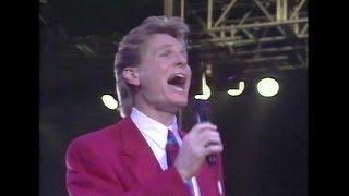 Watch Steve Green Joy To The World video